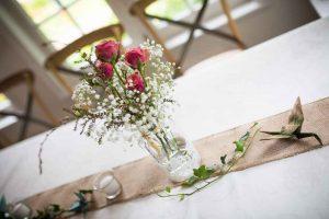 Fleur-sur-la-table